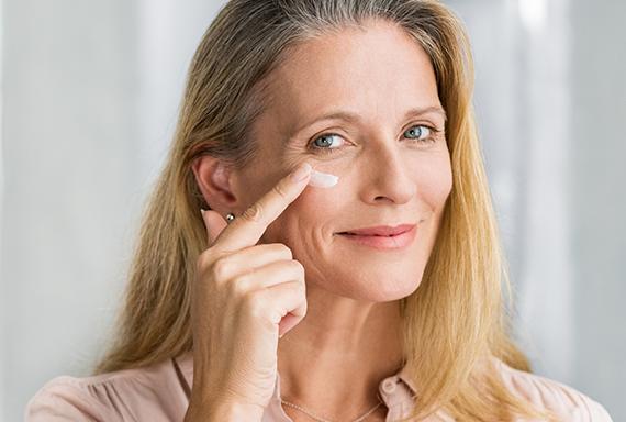 Cómo combatir ojeras, arrugas y bolsas